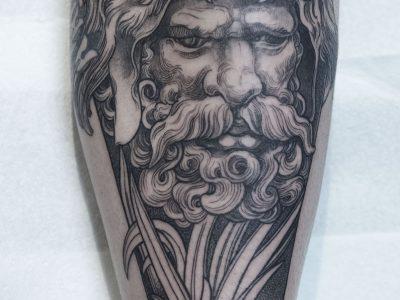Black and grey tattoo, best black and grey tattoo, smooth shading tattoo, hercules tattoo, greek mythology tattoo, greek gods realistic tattoo, hunter surrealistism tattoo, god of war tattoo, son of zeus tattoo, neotradtional hercule tattoo, filigree hercule tattoo