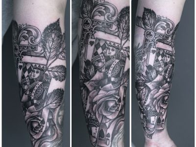 Black and grey tattoo, best black and grey tattoo, poker and roses surrealistic tattoo, poker and roses realism tattoo, playing cards surrealistic tattoo, gothic filigree tattoo, gambling tattoo