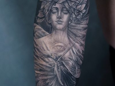 Angel merged with nature, the symbol behind it is fertiliti and family unity . Using black and grey focusing on a smooth contrast in shading, and subtle lines to enhance proportions