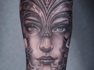 Black and grey tattoo, best black and grey tattoo, smooth shading tattoo, portrait tattoo , biomechanics tattoo, woman face tattoo, surrealistic woman tattoo, queen tattoo, surrealistic tattoo, realism tattoo, crown tattoo, Unique art tattoo, photorealism tattoo, High details tattoo, forearm tattoo, full sleeve tattoo,